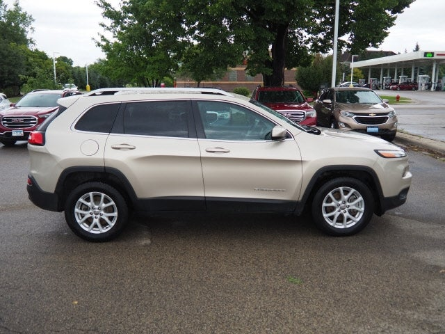 Used 2015 Jeep Cherokee Latitude with VIN 1C4PJMCS9FW563814 for sale in Apple Valley, Minnesota