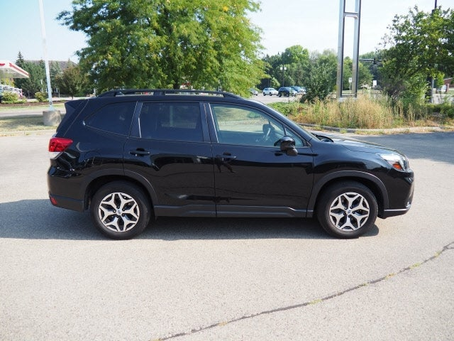 Used 2019 Subaru Forester Premium with VIN JF2SKAEC5KH527582 for sale in Apple Valley, Minnesota